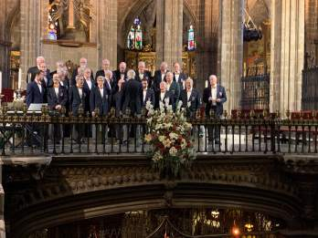 BSMC ready to sing, Barcelona Cathedral