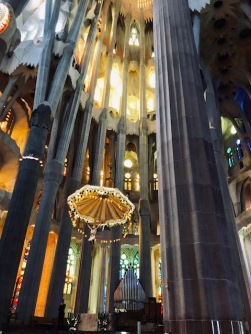 La Segrada Familia, interior (photo-Dick Floyd)4
